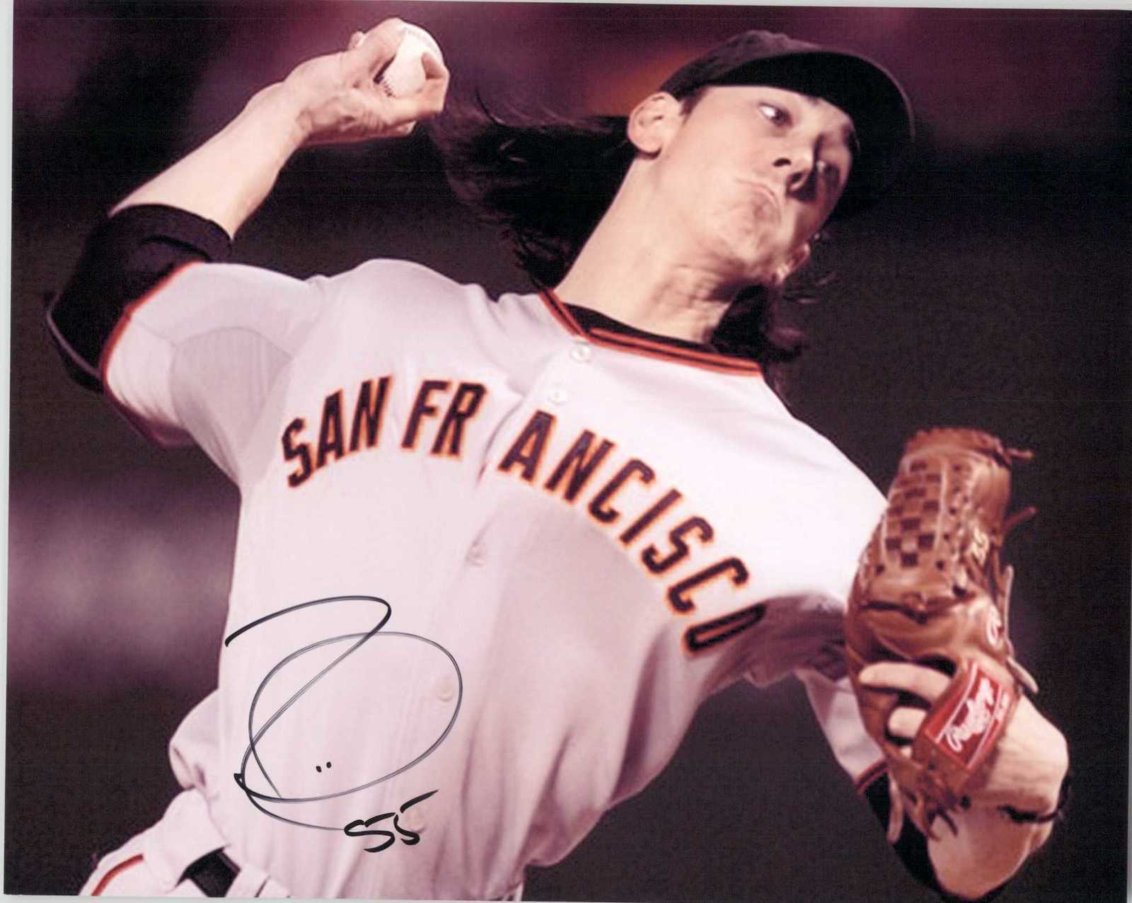 Primary image for Tim Lincecum Signed Autographed Glossy 8x10 Photo - San Francisco Giants