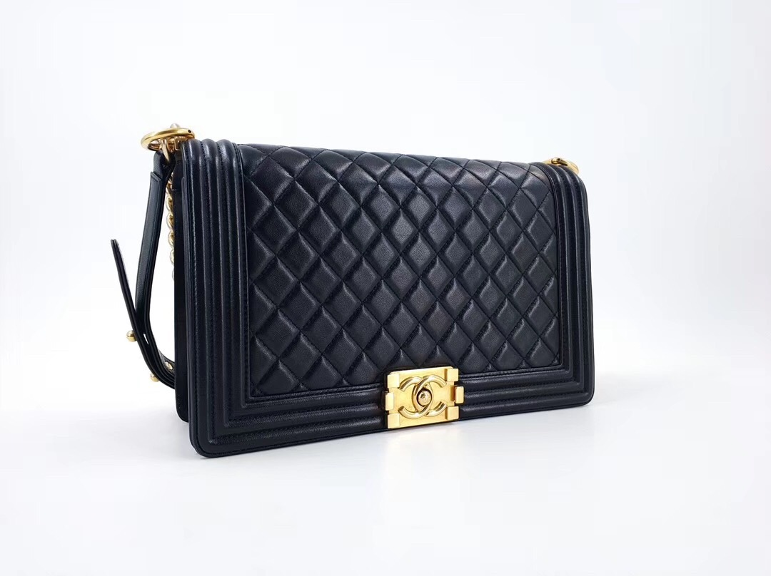 5233358e6a36 AUTHENTIC CHANEL BLACK LAMBSKIN NEW MEDIUM BOY FLAP BAG GHW ...