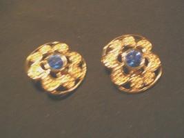 Vintage Swarski Goldtone Swan Logo Large Filigree Blue Crystal Clip On Earrings - $23.21