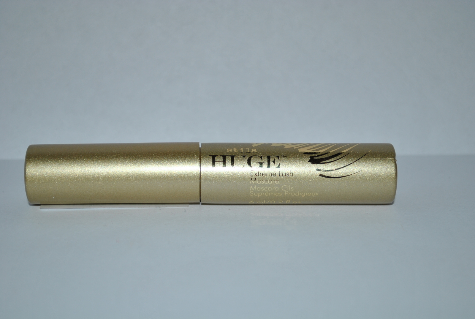 Primary image for Stila HUGE Extreme Lash Mascara 0.2 Fl oz / 6 ml - travel size