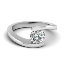 0.90 Ct Round Cut D-Color Sim Diamond Central Twist Solitaire Engagement Ring - $159.62