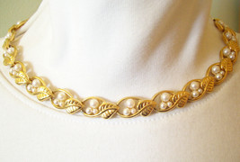 Napier Faux Pearl Gold Plated Vined Leaves Choker Necklace Vintage - $35.74