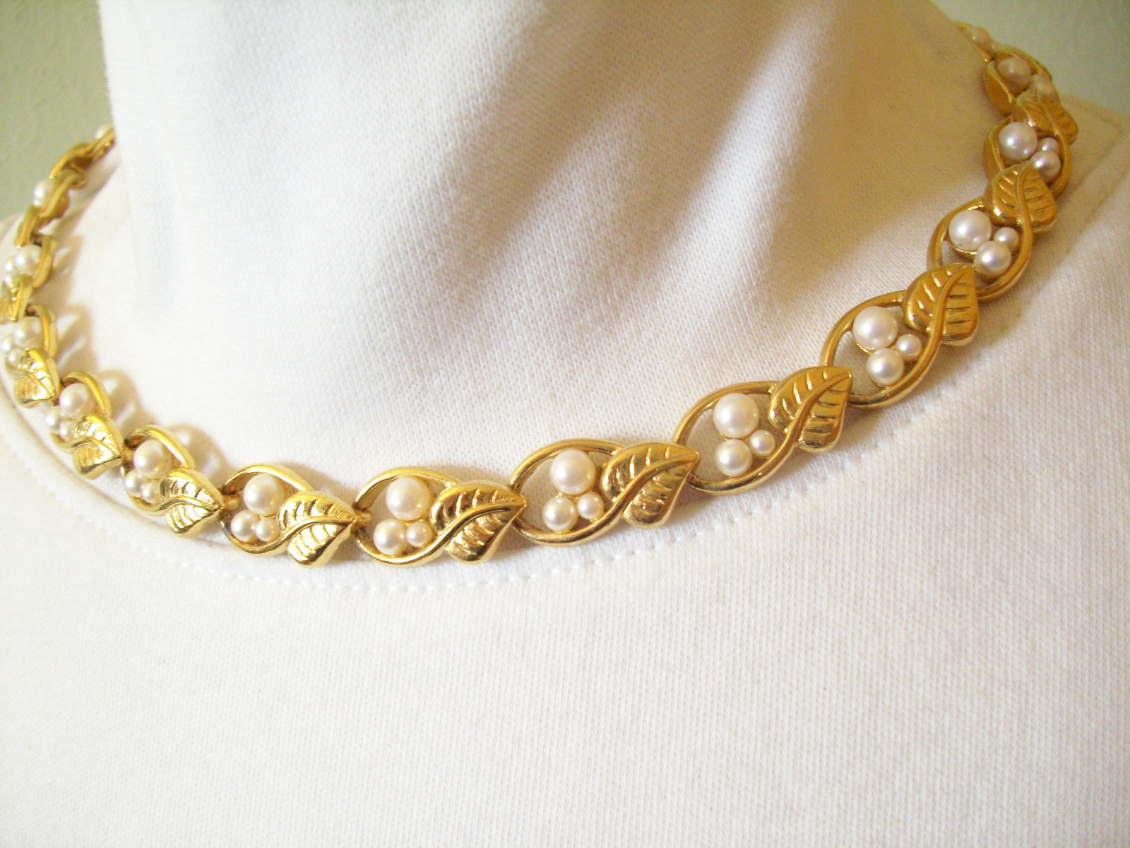 Napier Faux Pearl Gold Plated Vined Leaves Choker Necklace Vintage