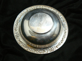 Vintage Sheridan Silverplate Round Ornate Pattern on Rim Small Bowl image 5