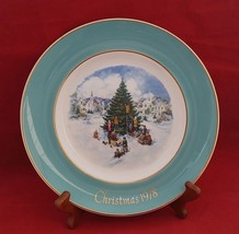 "Wedgwood vintage Christmas 1978 ""Trimming the tree"" England 8 ¾"" plate Avon - $3.95"