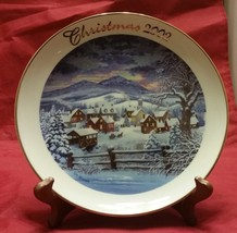 "Christmas 2002 Home for the Holidays by Tom Newsom 8 ¼"" Avon plate 22k g... - $3.95"