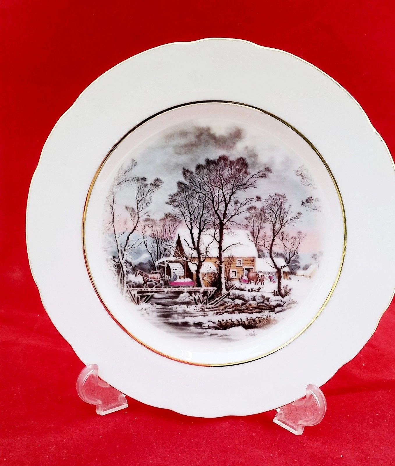 "OLD GRIST MILL 8"" DECORATIVE PLATE GOLD COLOR RIM MINT CONDITION AVON AWARD"