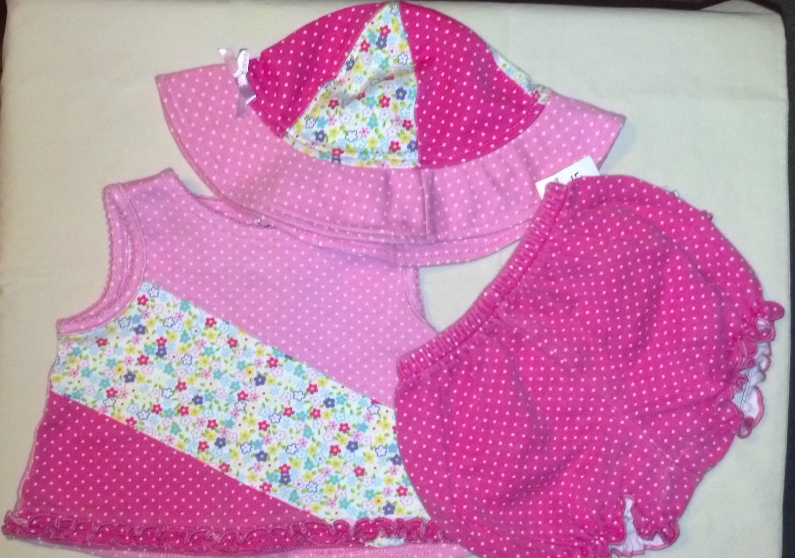 CUTE Girl's Size 6 M 3-6 Months 3 Piece Pink Floral Ruffled Outfit  Little Me - $16.89
