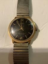 Vintage TIMEX Manual Wind Men's Wrist watch Runs 27249 02480  GREAT BRITAIN - $24.74