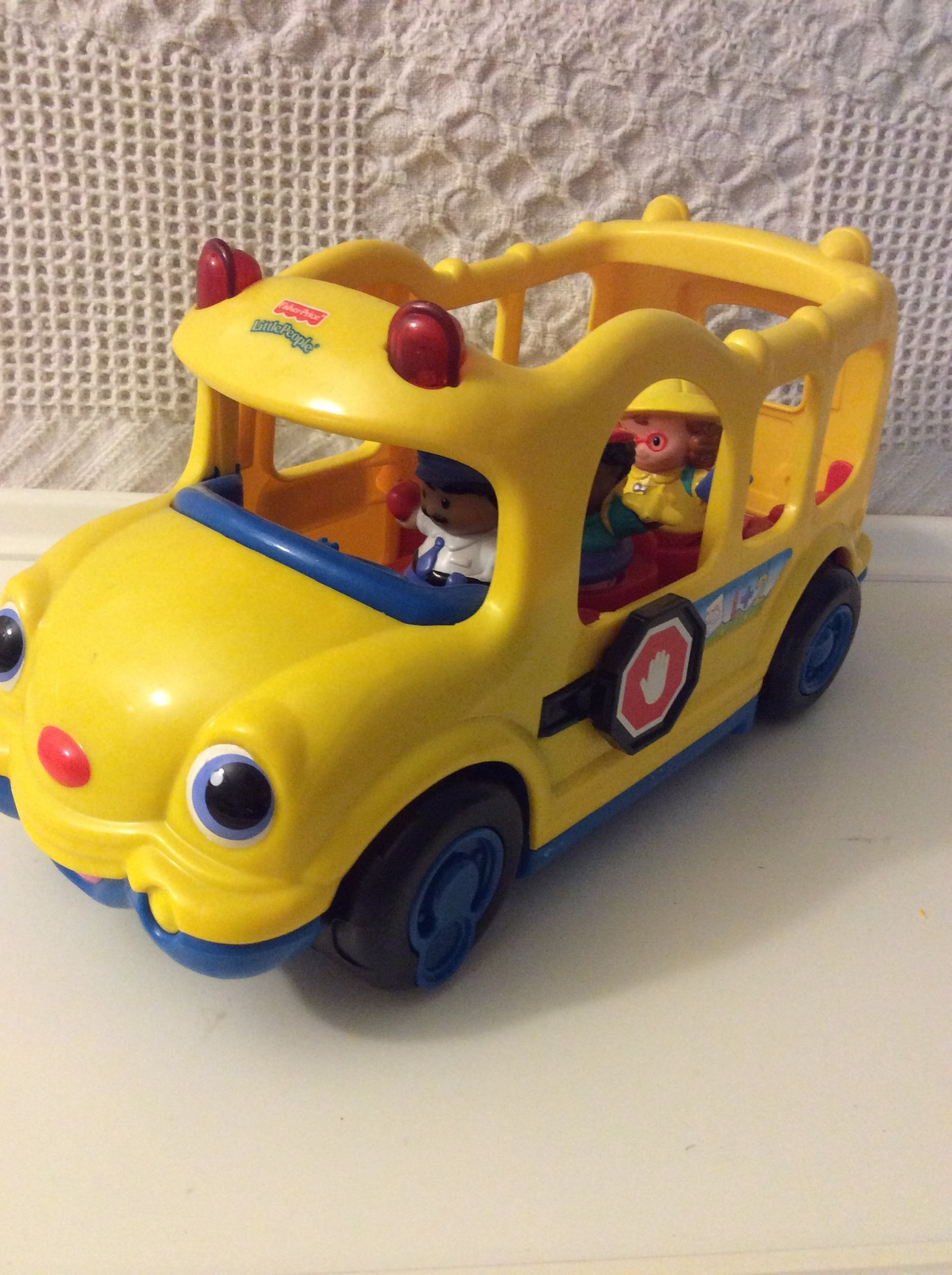 Large Fisher Price Toy Mattel 2005 Yellow School Bus Lights & Music Little Peopl