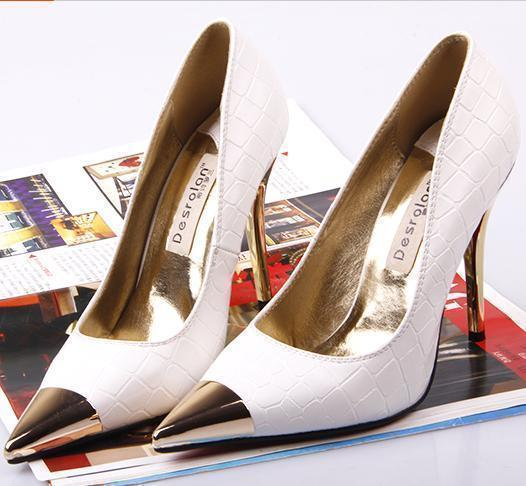 PP068 Elegant sharp headed pump with gilded head, size 33-43, white