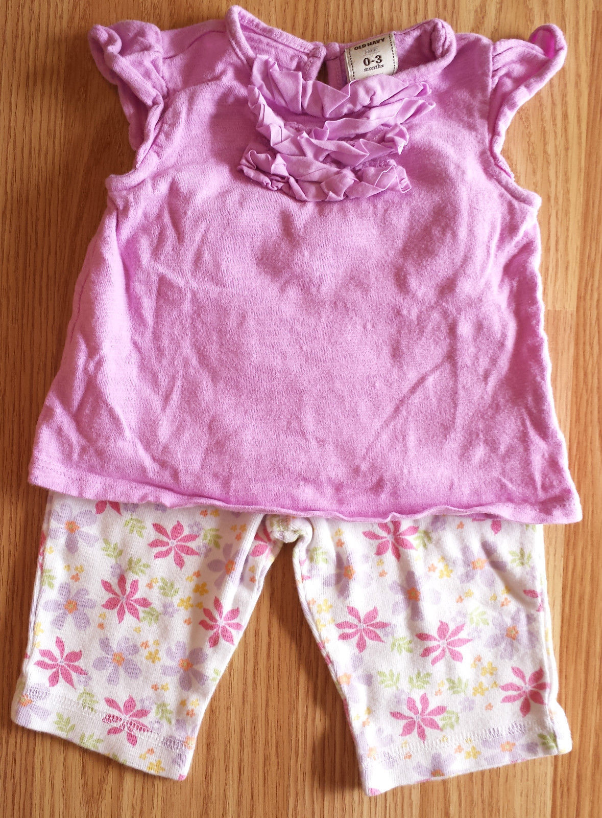 Girl's Size 0-3 M Months Two Piece Old Navy Purple Ruffled Top & Floral Pants