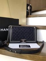 BNIB AUTHENTIC 2019 CHANEL BLACK Limited Edition Leather Medium Boy Flap Bag image 2