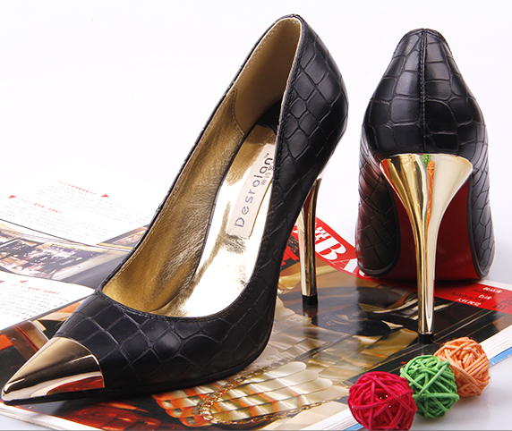 PP068 Elegant sharp headed pump with gilded head,size 33-43, red leopard skin