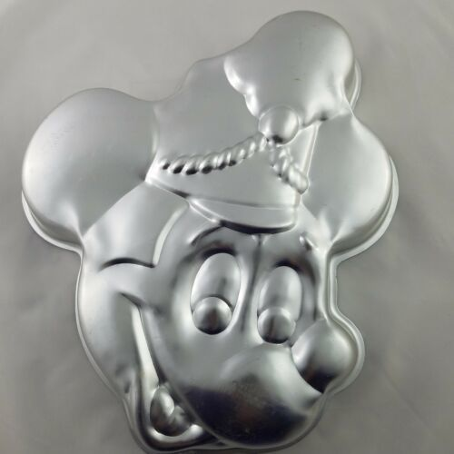 Wilton Mickey Mouse Hail The King! Band Leader Cake Pan 515-302 1976 Retired
