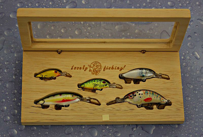 Gift Set for fishing,5 balsa lures,new tackle box, Handcrafted fishing Gift