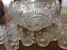 L E Smith Clear Glass Clear Pinwheel & Star Slewed Horseshoe 17pc Punch ... - $157.41
