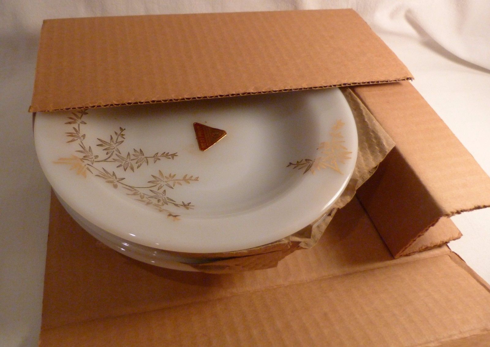 Federal Glass Vtge New 35 PC Dinnerware Set Heat Proof Golden Glory Gold Bamboo