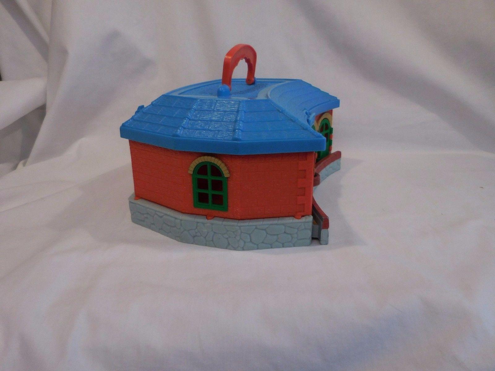 2002 Thomas the Train Take & Play Carry Storage Case Roundhouse