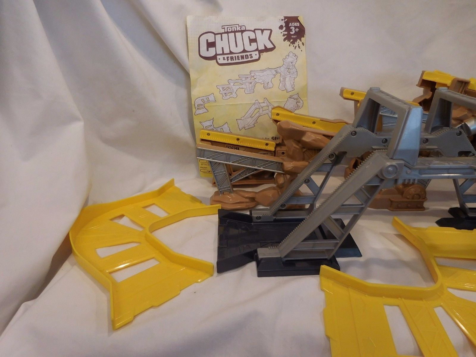 Tonka CHUCK and Friends Chuck's Stunt Park with Dump Truck Complete set