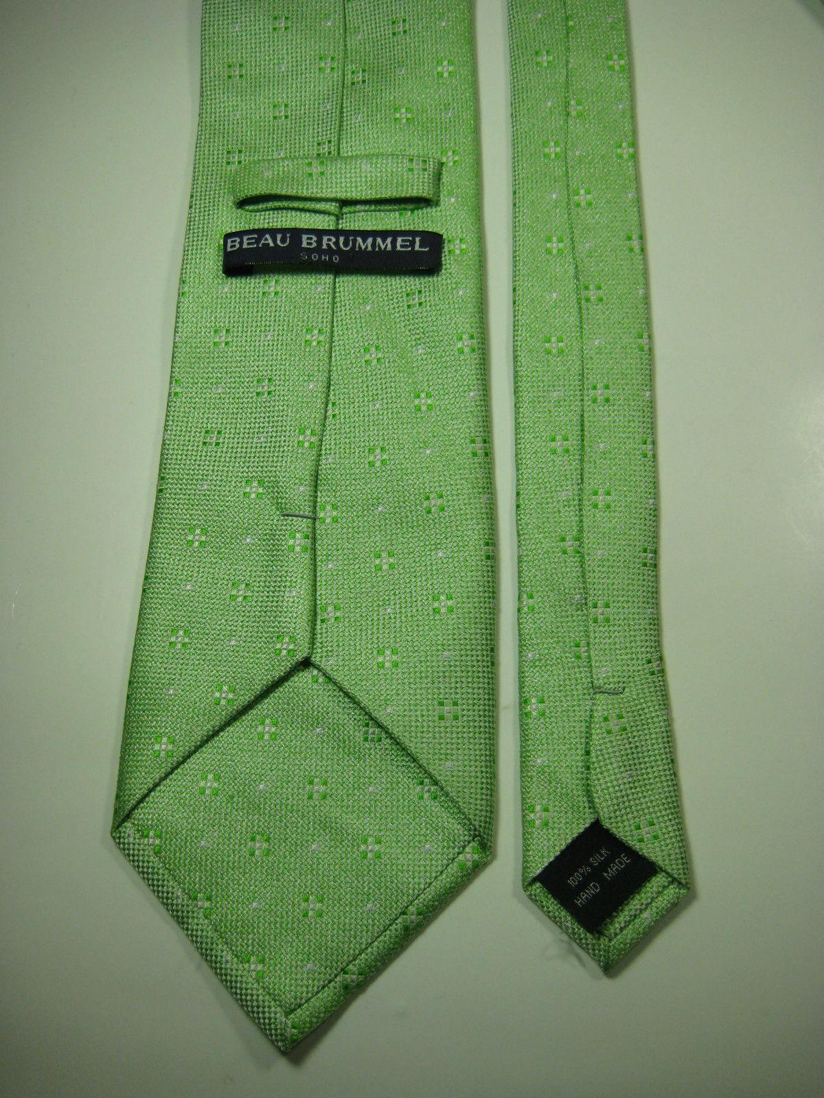 BEAU BRUMMEL Light Lime Green Geometric  Tie 100% Silk RARE EUC
