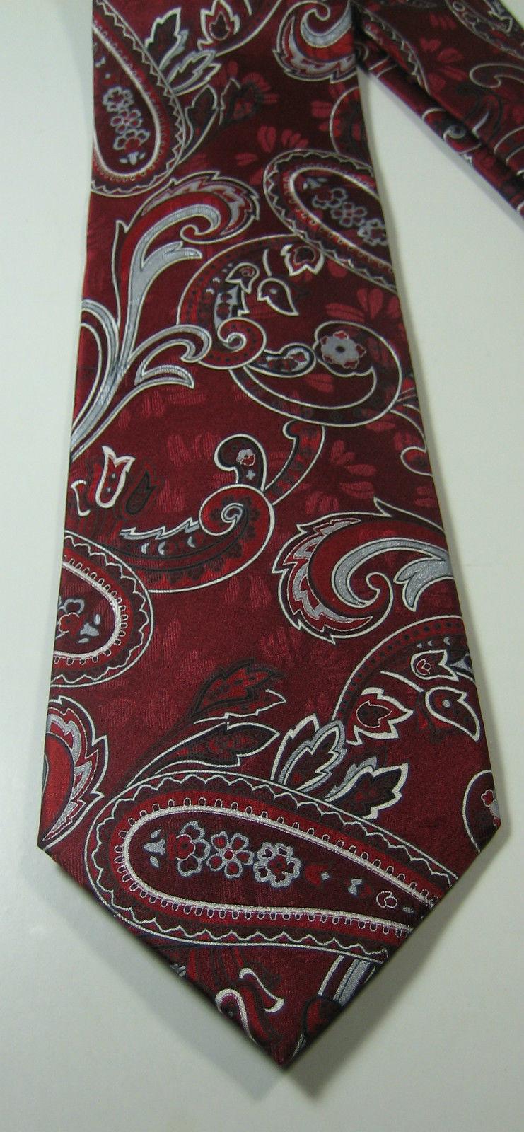 GEOFFREY BEENE Rich Red Gray Paisley Tie 100% Silk Excellent RARE