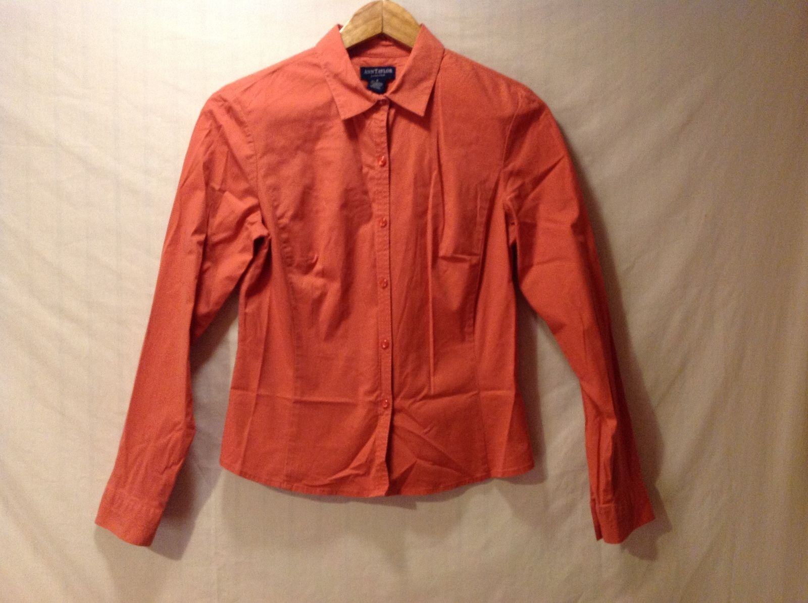 Ann Taylor Woman's Salmon Colored Collared Blouse Size 6
