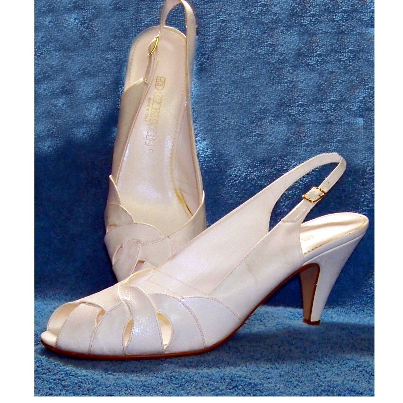cc8b3ff28e2d Red Cross shoes white leather 10 M vintage and 50 similar items.  Redcrosswhitesgal