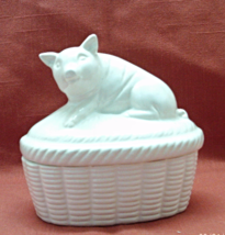 Vintage White Pig Trinket Box // Ring Box // Made in Japan // Country Decor - $12.50