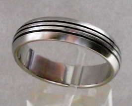 2of2  stainless steel ring  5.98gtw  size 13 thumb200