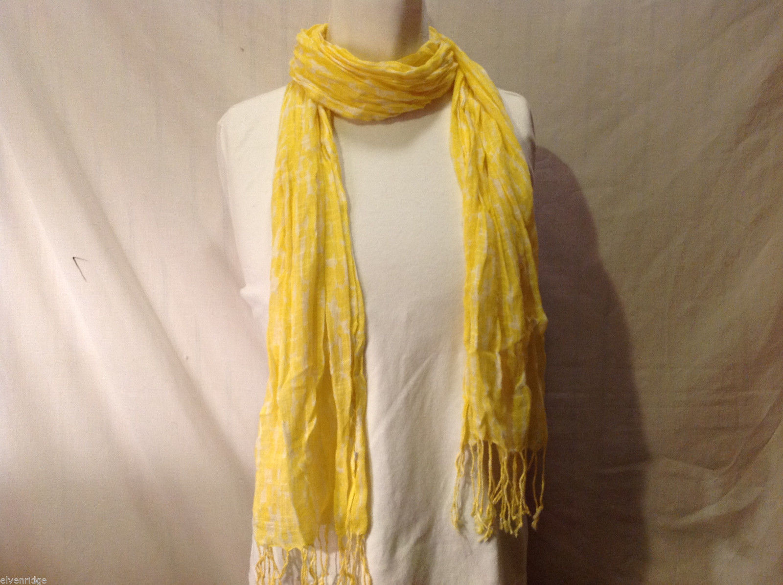 Lightweight Yellow and White Patterned Crinkle-Textured Scarf with Fringe Trim