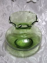 Collectible Vintage Depression ANCHOR HOCKING Glass Forest Green Ruffle Vase image 4