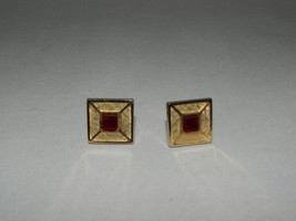 Mid Century Mens Square Gold Tone Cufflinks With Square Red Glass Insert - $13.96