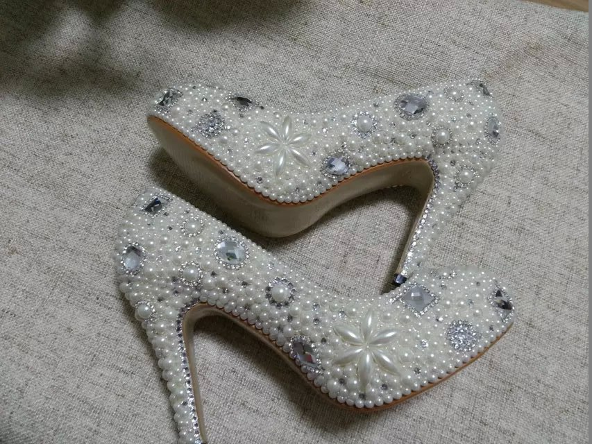 Primary image for Classic Heels Closed Toe ivory Pearl Beads Rhinestone Wedding Bride Shoes 4'