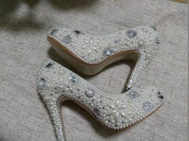 Classic Heels Closed Toe ivory Pearl Beads Rhinestone Wedding Bride Shoes 4' - $145.00