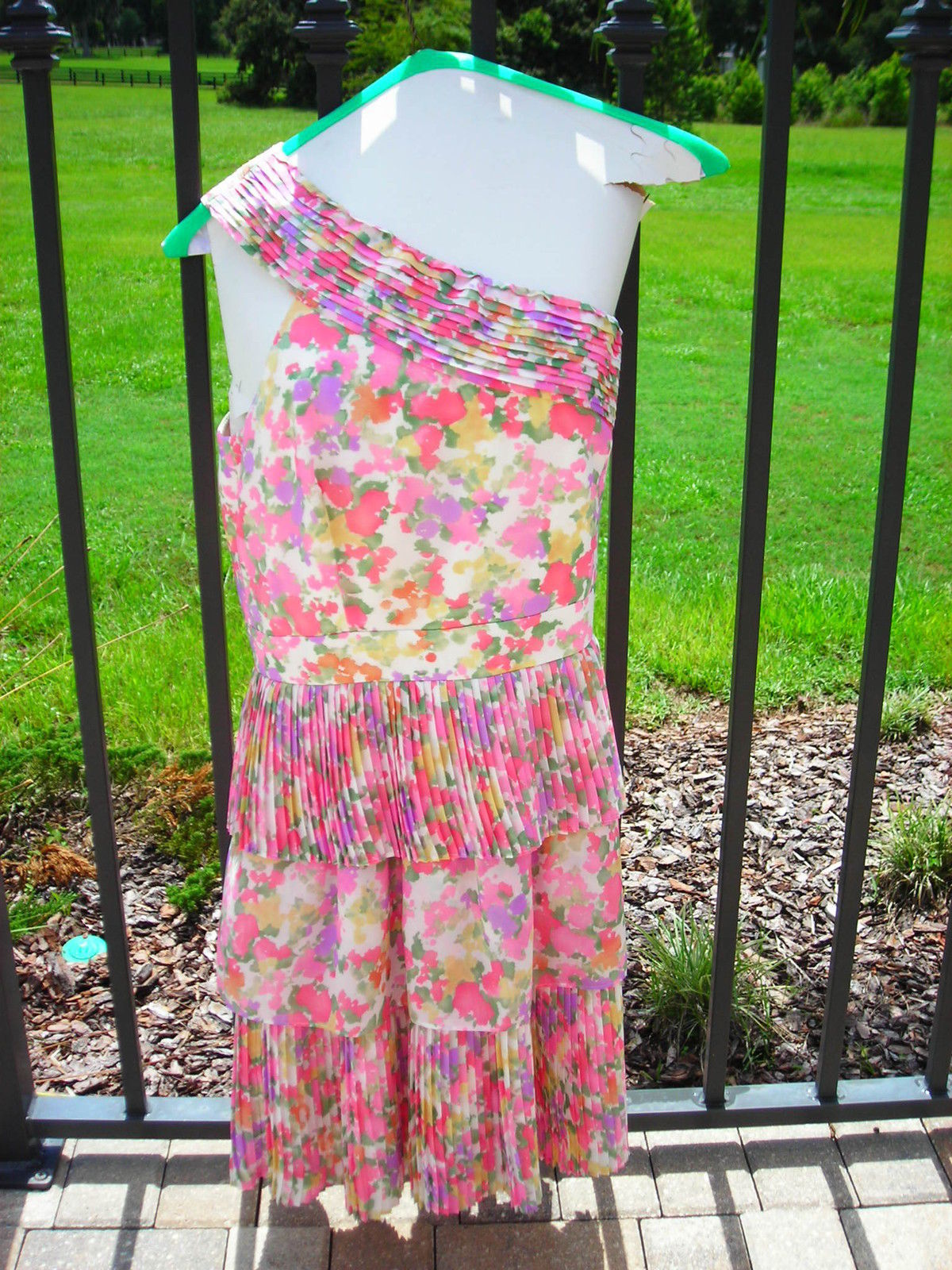 Primary image for Gianni Bini Cocktail Evening Cruise Dress Floral  Knee Length Size 12 NWT