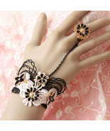 Black Pink Floral Bracelet Ring Unique Fashion - $7.00