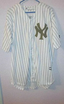 Majestic NEW YORK YANKEES Size M JERSEY Limited Edition ARMY GREEN Memor... - $48.02
