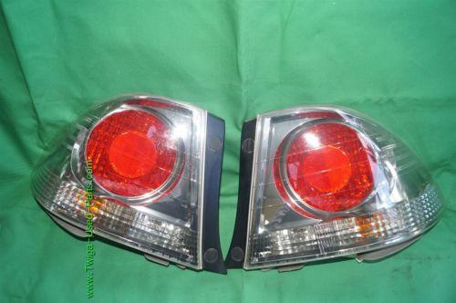 Lexus IS300 Sedan Taillights Tail Lights Lamp Set Pair 01-05 L&R