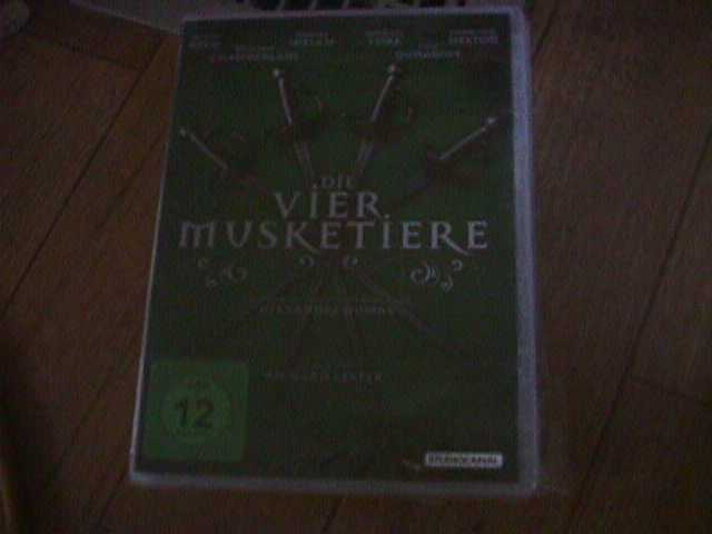 Primary image for DIE VIER MUSKETIERE DVD  NEW SEALED  FOREIGN  REGION B  DVD REGION 2