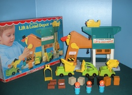 Vtg. Fisher Price Little People #942 Lift and L... - $120.00