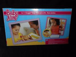 BABY ALIVE LUV N SNUGGLE HASBRO 2015 AFRICAN AMERICAN DOLL W/ BOTTLE IN BOX image 5