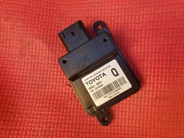 Toyota  Occupant Detection Sensor Module Computer 89952-04021 image 1