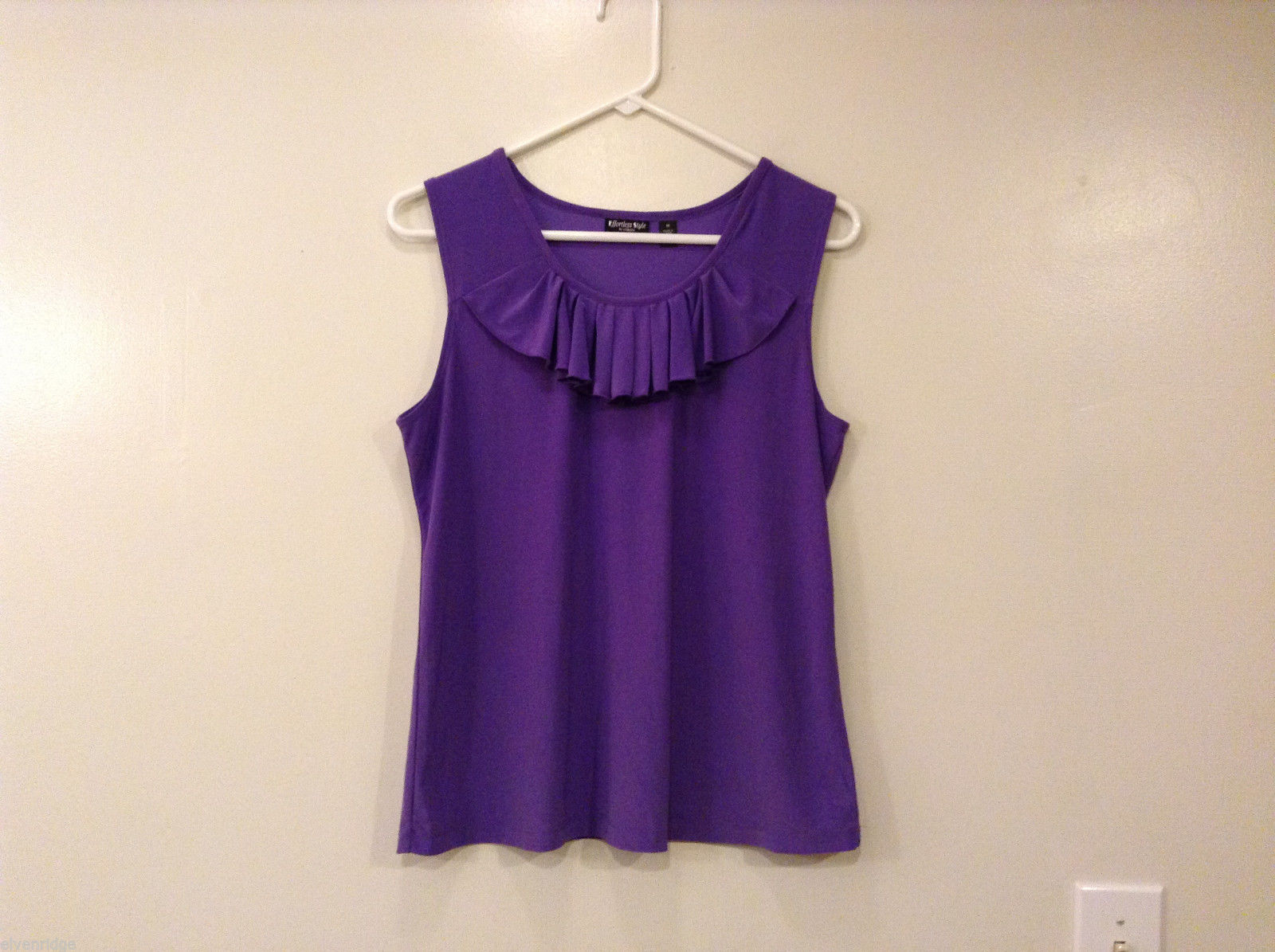 Effortless Style Women's Size M Purple Tank Top Sleeveless w/ Ruffle Scoop Neck