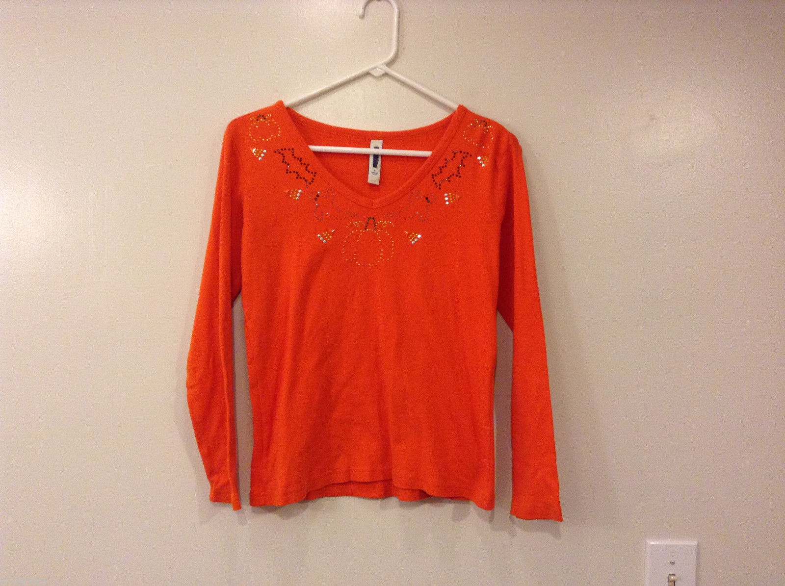 L.A. Blues Women's Size S T-Shirt Tee Top Orange Halloween Sparkly Beaded Neck