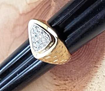 MEN's DIAMOND ARROW>HEAD RING heavy 14K GOLD - Florentine Finish (.30ctw)