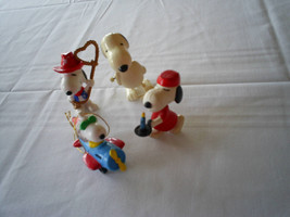 Lot 4 Peanuts Snoopy Plastic Figurines Christmas - $8.90