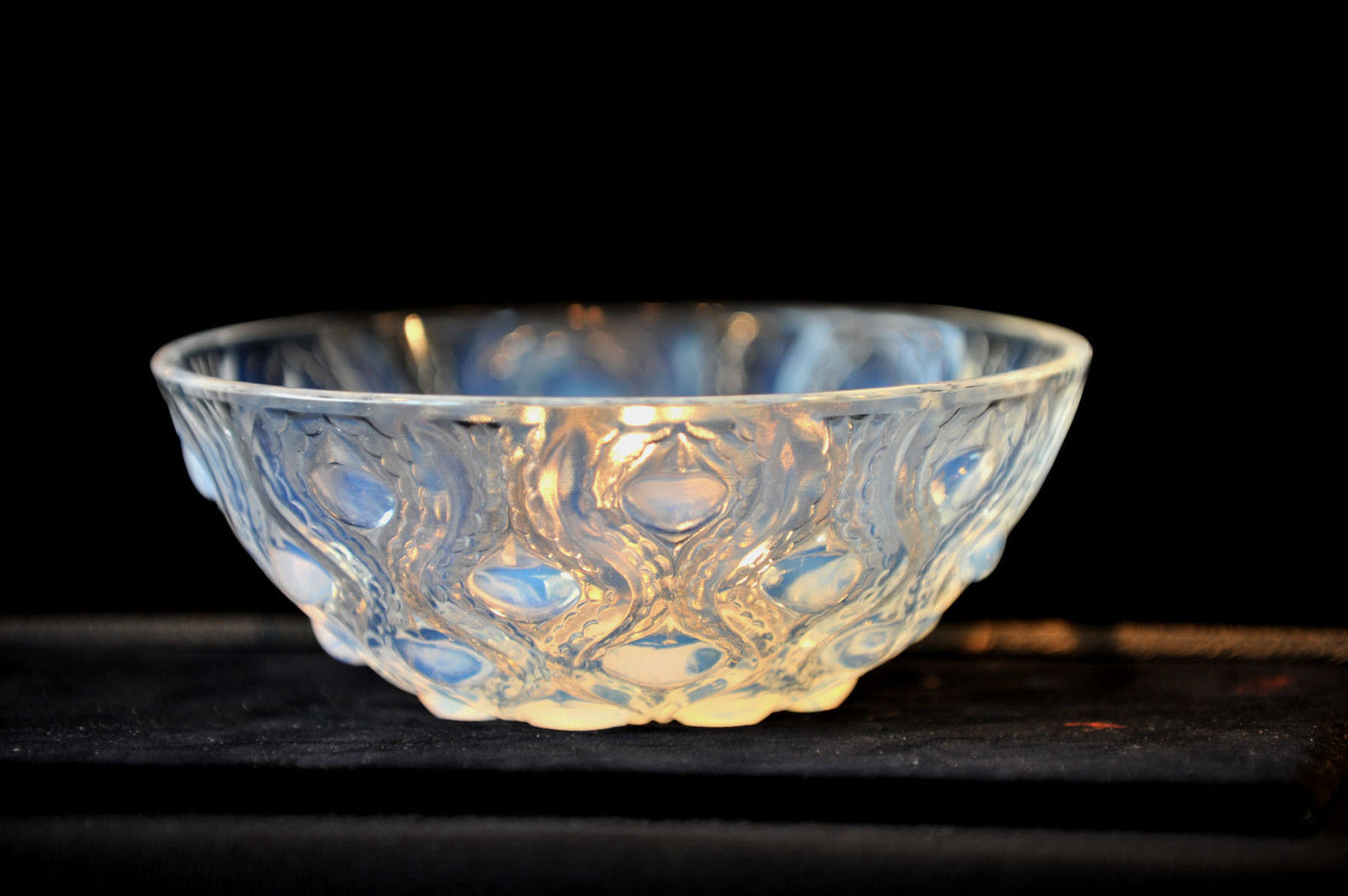 Lalique glass bulbes no 2 art glass bowl decoration french for Lalique vase