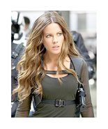 Kate Beckinsale in Green Long Sleeves Gun Strap and Long Beachy Wave Hai... - £6.22 GBP