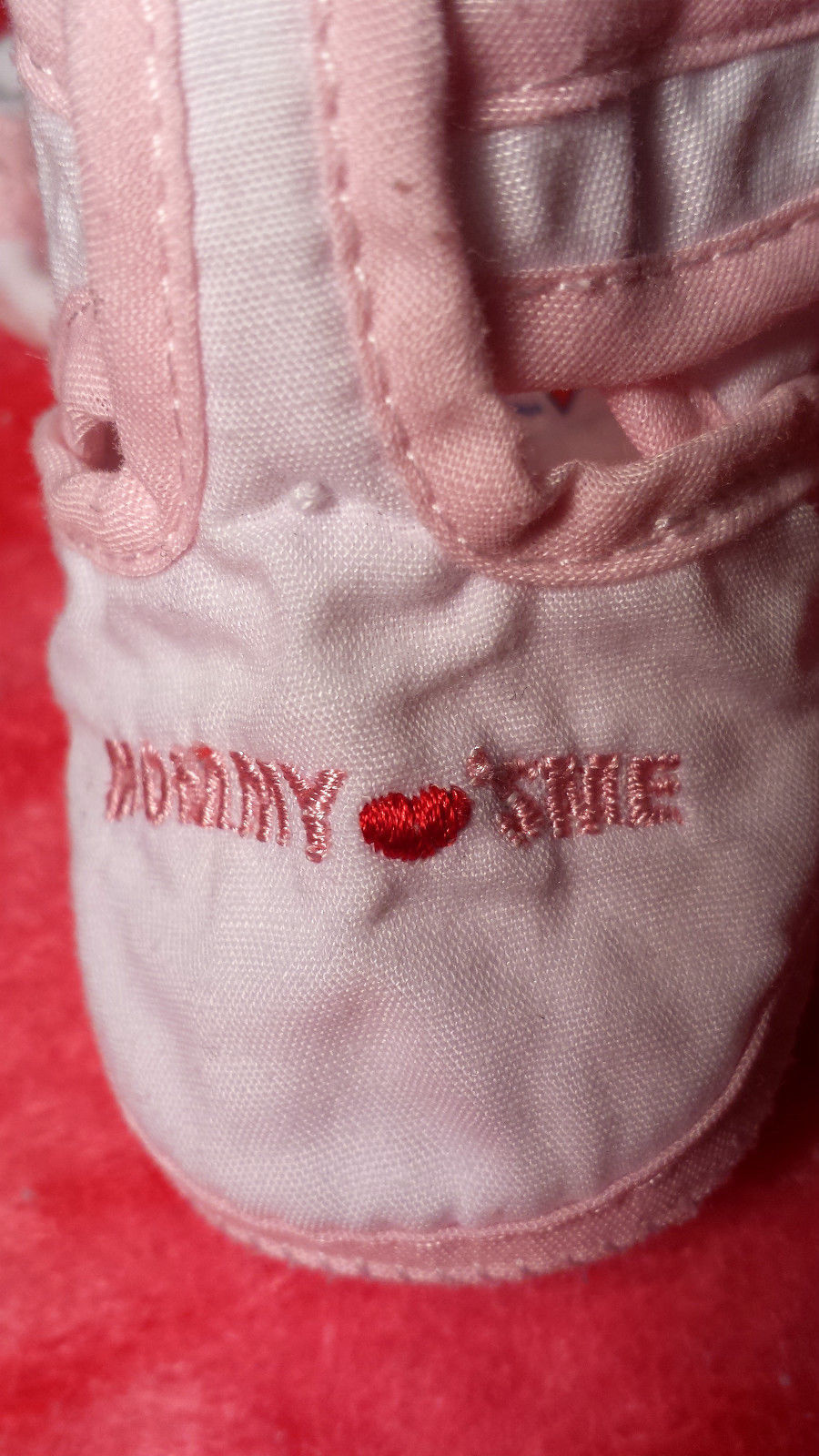 """Girl's Size 0 Newborn White/ Pink """"I Love Mommy"""" Heart Desinged Crib Shoes"""